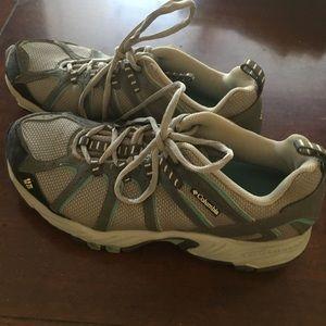Women's Columbia Hiking Boots 8.5